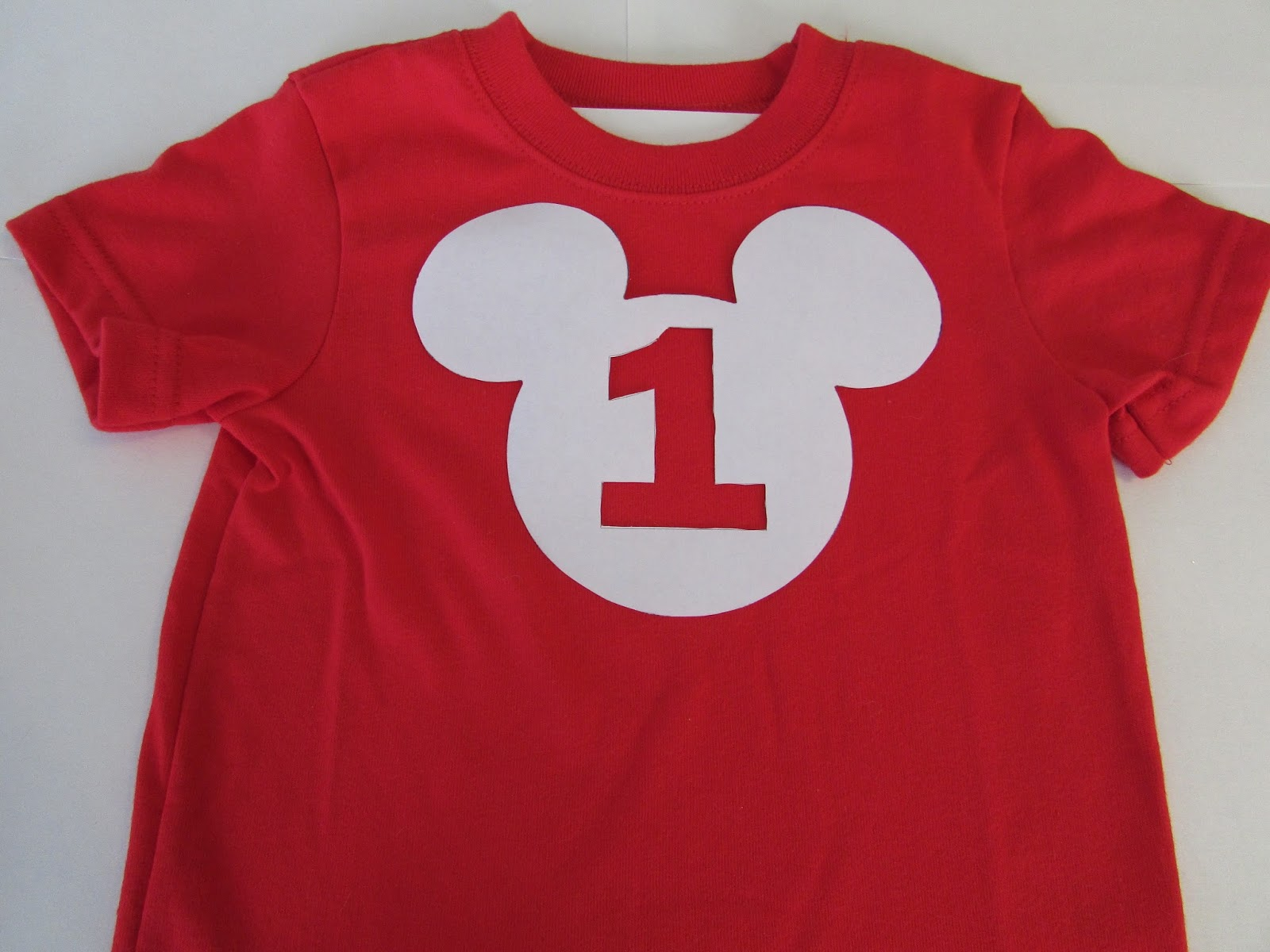711b46614 DIY: Mickey Mouse 1st Birthday Shirt - falon loves life
