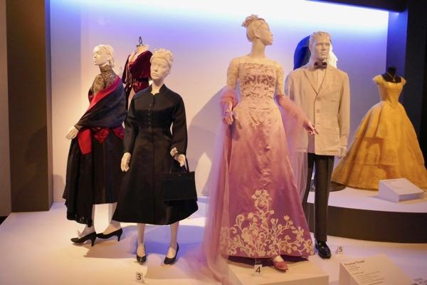 Phantom Thread movie wardrobe