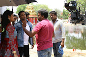 Idi Naa Love Story Movie Working Stills-thumbnail-17