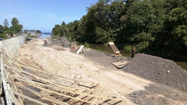 Aroma Korupsi Miliaran Rupiah di Proyek Pembangunan Pengendali Banjir Sungai Desa Malompar
