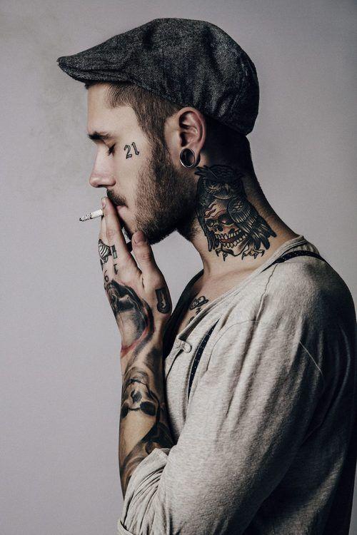 Los 33 mejores tatuajes para hombres 2018 belagoria la for Table no 21 tattoo