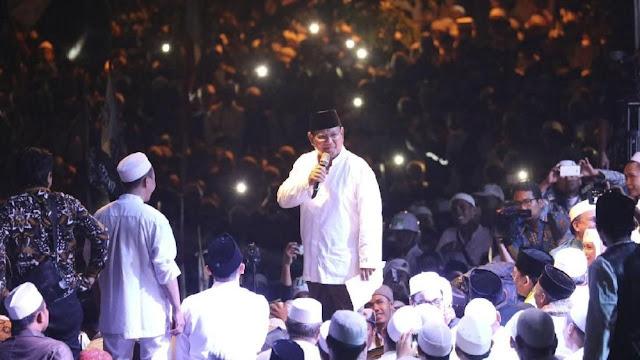 Prabowo Curiga Pembakaran Bendera Mirip HTI untuk Adu Domba