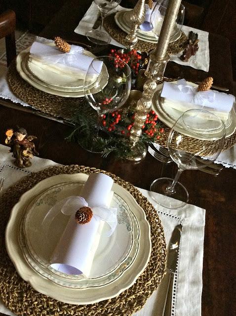 apparecchiare la tavola natalizia