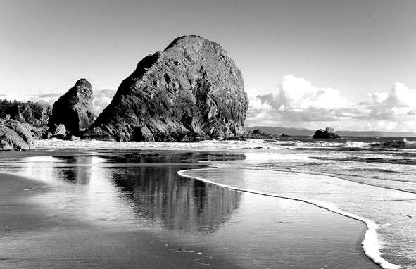24 Gambar Pemandangan Pantai Indah Cantik Mewarnai Hitam Putih