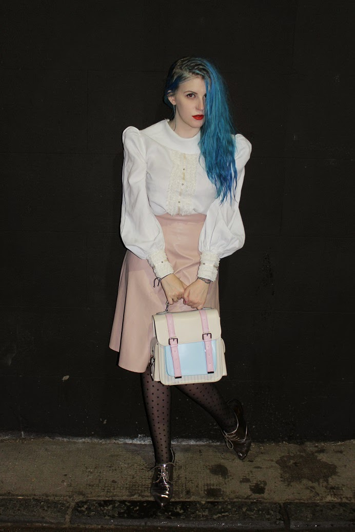 blue hair blogger