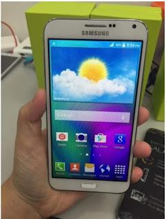 Samsung E7 Replika putih