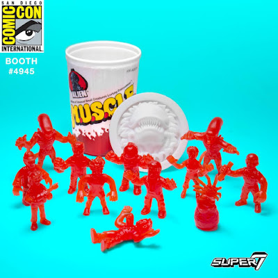 San Diego Comic-Con 2017 Exclusive Blood Red Variant Alien M.U.S.C.L.E. Trash Can Set