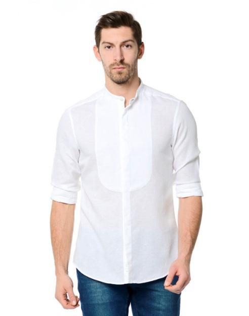 Göğüs detaylı beyaz gömlek
