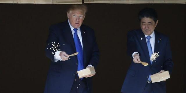 فيديو دونالد ترامب كاد أن يقتل أسماك امبراطور اليابان