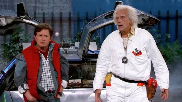 "Gran homenaje a ""Volver al futuro"" con Michael Fox y Christopher Lloyd Jimmy-Kimmel-homenaje-Volver-es-pec-ta-cu-larrrrrrrrrrr_CLAIMA20151022_0127_28"