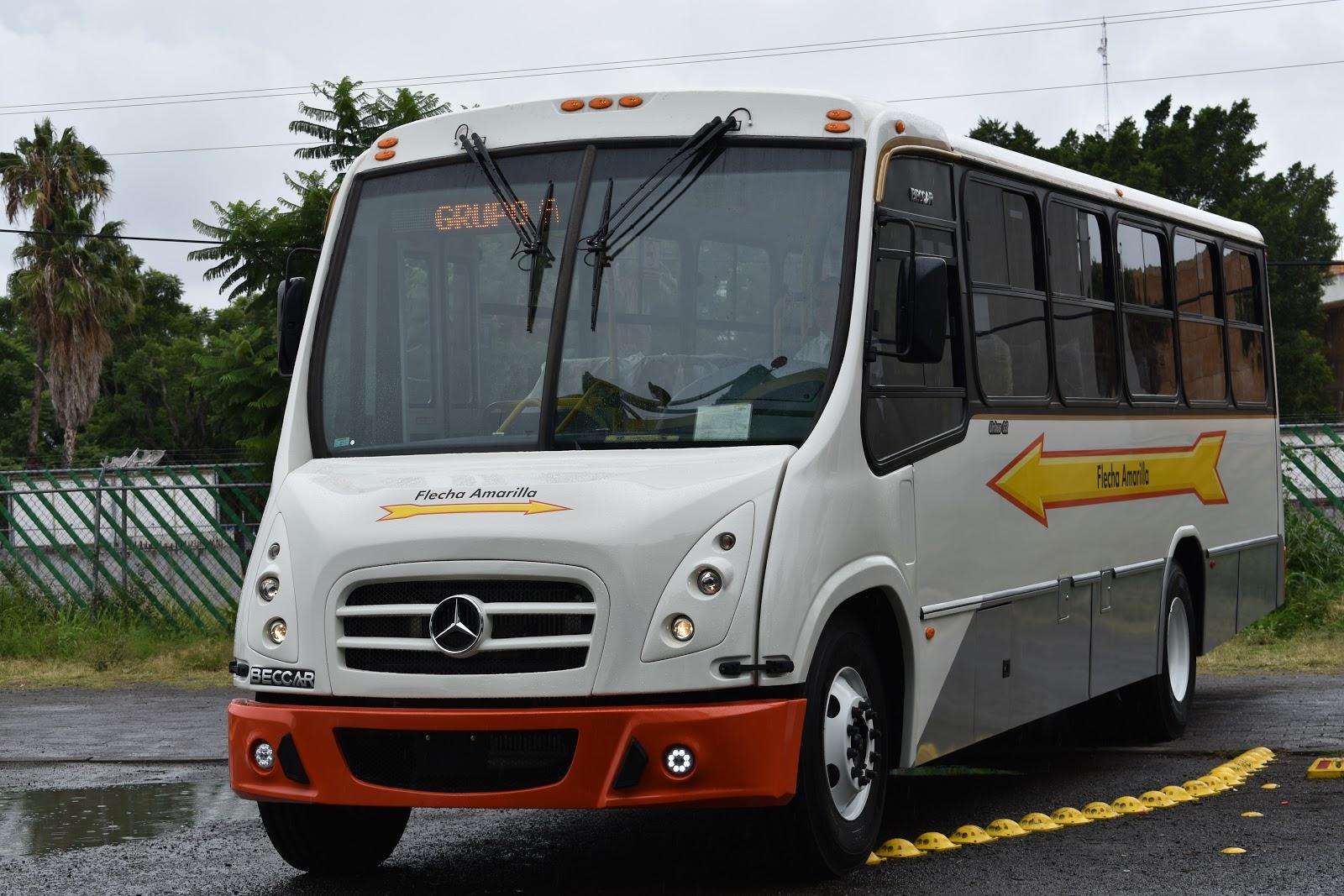 gu a del viajero en m xico mercedes benz autobuses entrega 354 unidades a flecha amarilla. Black Bedroom Furniture Sets. Home Design Ideas