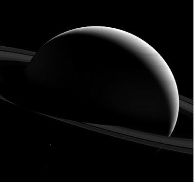 Planet Saturnus - pustakapengetahuan.com