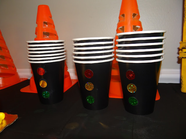 stoplight cups