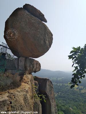 खल्लारी में अद्वितीय डोंगा पत्थर