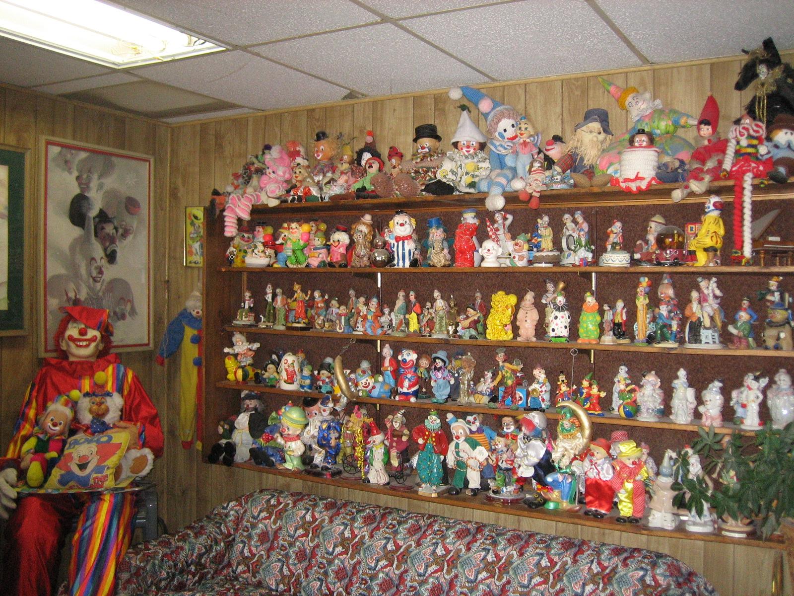 Travel Spotlight The Clown Motel Pocket Pause