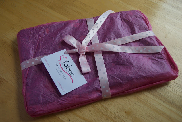 Parcel with prize fabric