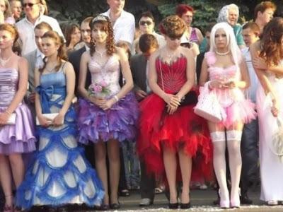 OmniWorlds: Bulgarian prom night - tasteless and shameless