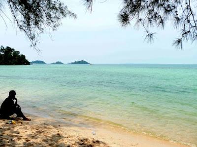 Keindahan Pantai Melur Batam