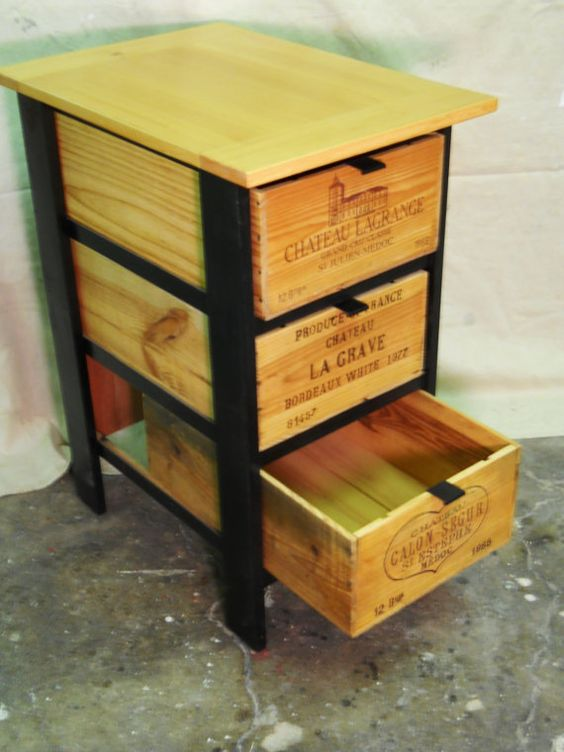 Wine crates and boxes for Shelves made out of crates
