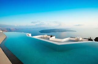 1. Perivolas, Santorini