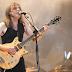 Campanha quer música do AC/DC no topo das paradas em tributo a Malcolm Young