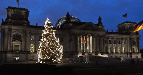 Reichstagsgebaeudeberlin fotohelgawaess