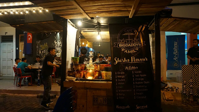 Ruangan shisha di Big Daddy's Family Cafe