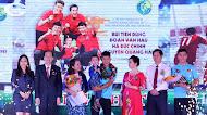 Him Lam tôn vinh giải bóng đá đẹp