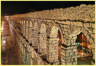 Acueducto Segovia noche