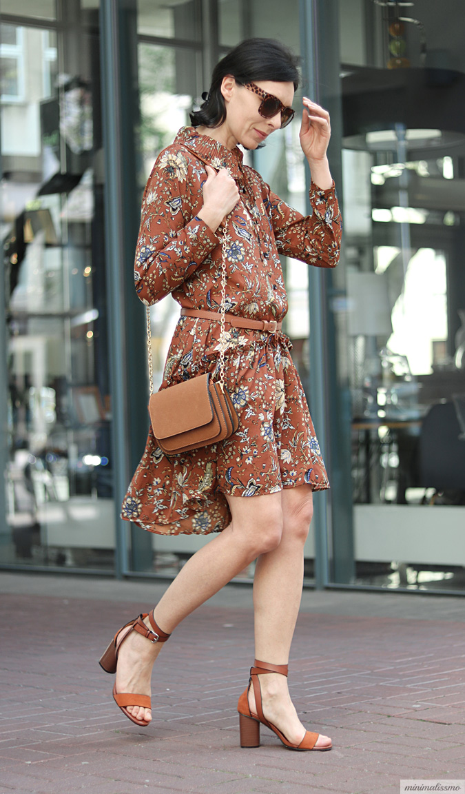retro style patterned dress