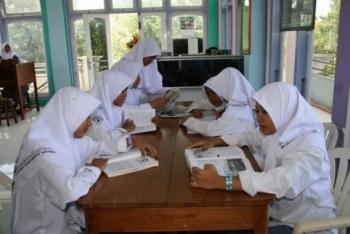 Etika-belajar-bagi-pelajar-muslim-6-Etika-belajar-islami