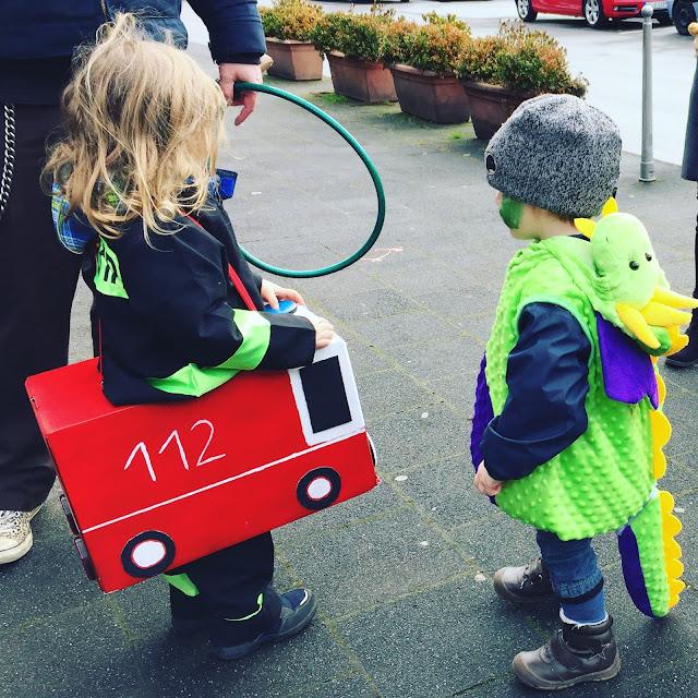 Karneval - Feuerwehrmann und Drache