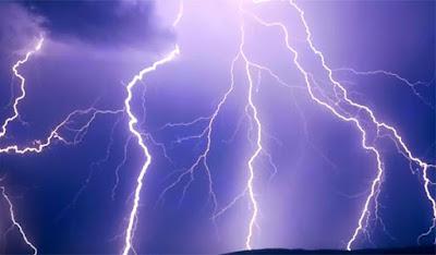 Ερχετε επικίνδυνο χαμηλό βαρομετρικο απο Ιταλια  με ισχυρές καταιγίδες και χαλαζοπτωσεις από Δευτέρα.