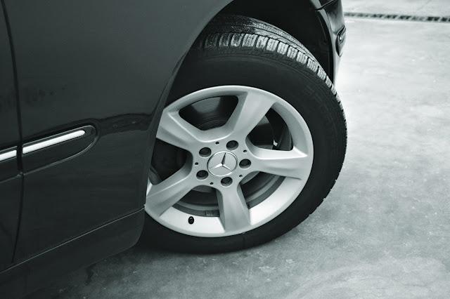 Niezbędne Szczegóły Do Rozważenia Przed Zakupem Letnich Opon Do Twojego SUV