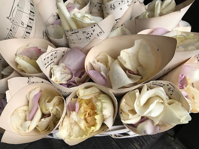 music sheets flower cones, Wedding abroad, Mountain wedding lake-side at the Riessersee Hotel Resort Bavaria, Germany, Garmisch-Partenkirchen