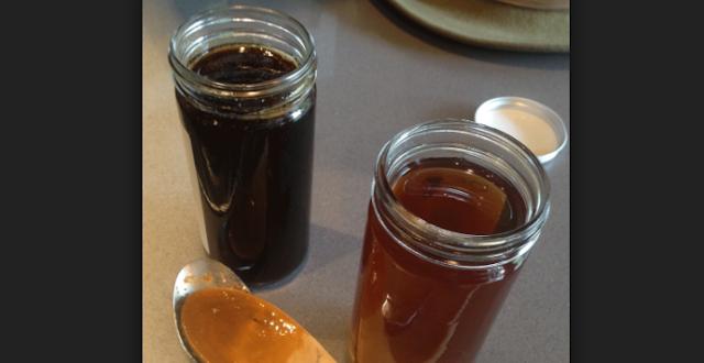 Πωλείται μέλι βελανιδιάς και μελι πεύκου Χαλκιδικής στα Τρίκαλα