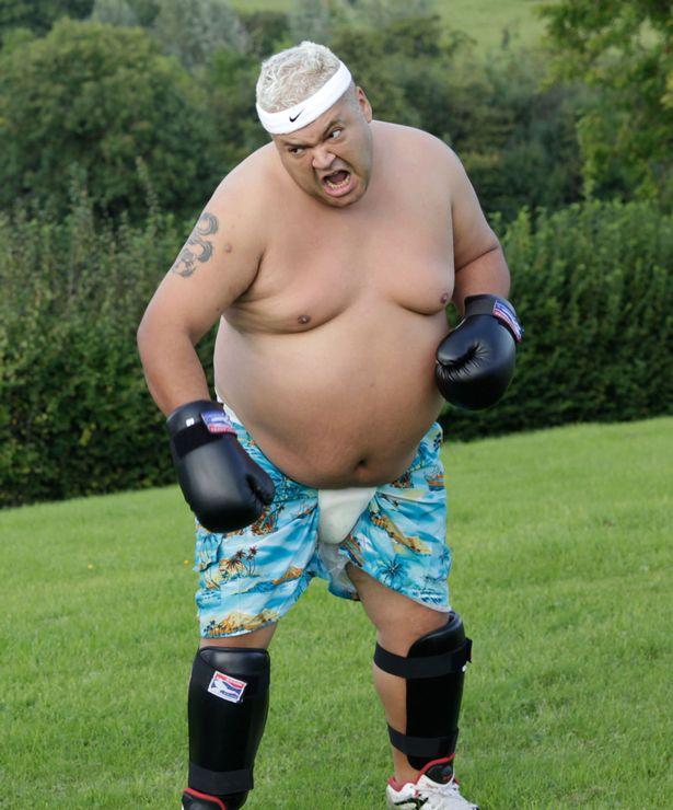 PAY-EXC-Martial-Arts-Guru-Michael-Jackons-ex-bodyguard-Matt-Fiddes-puts-Heavy-D-through-his-paces (1)