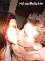 foto Mey Chan ciuman