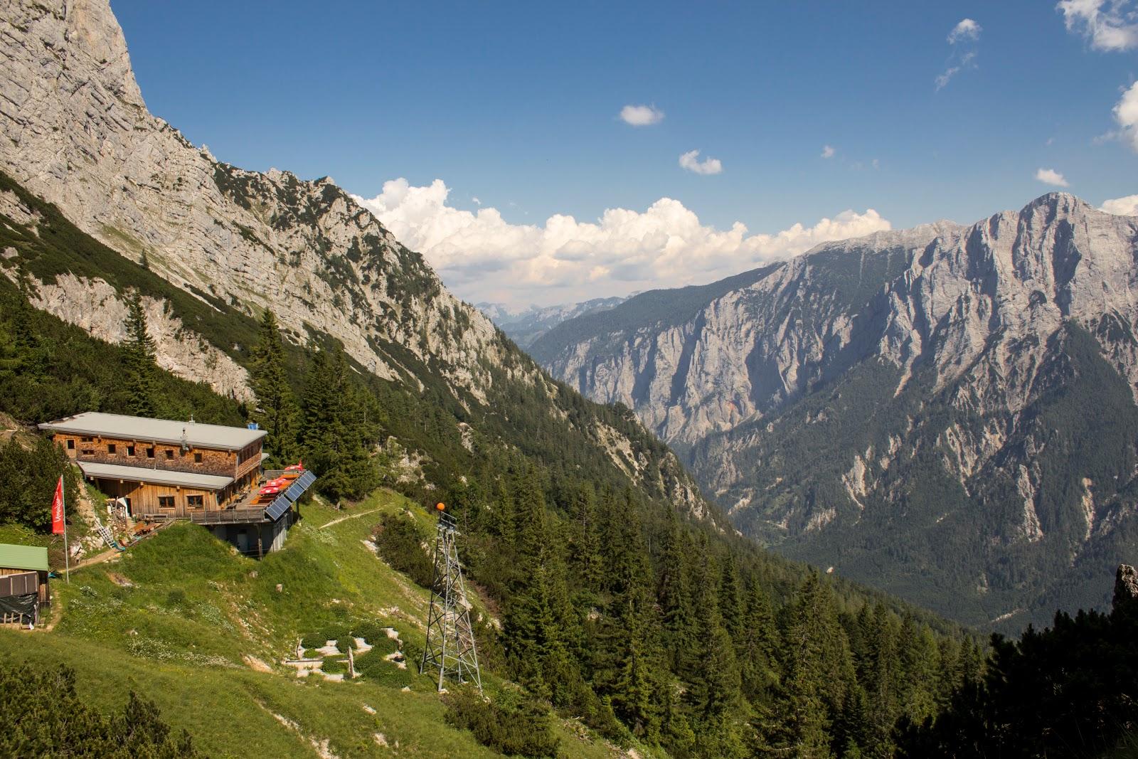 Zweitätige Wanderung im Gesäuse von Gsatterboden zum Buchsteinhaus und weiter über den Südwandband Klettersteig auf den Großen Buchstein - Buchsteinhaus