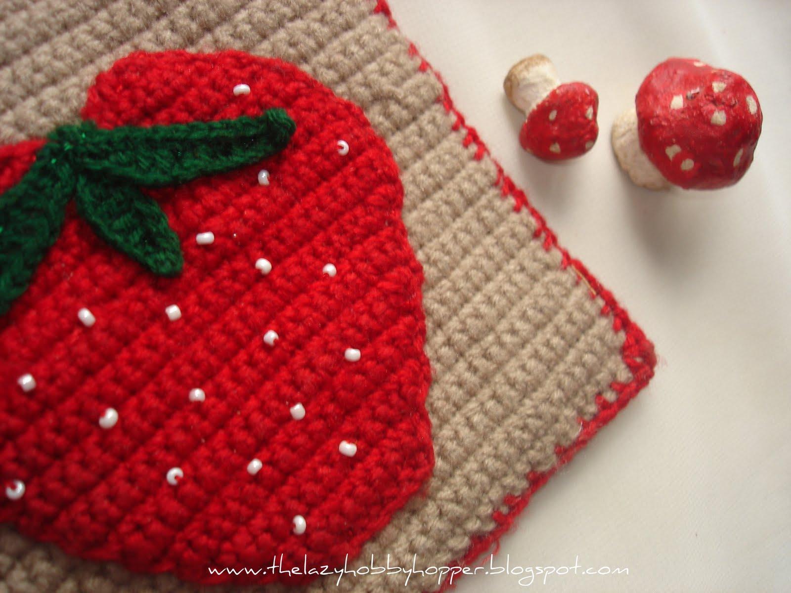 The Lazy Hobbyhopper: Strawberry potholder