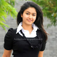 POONAM BAJWA CUTTEST PHOTOS
