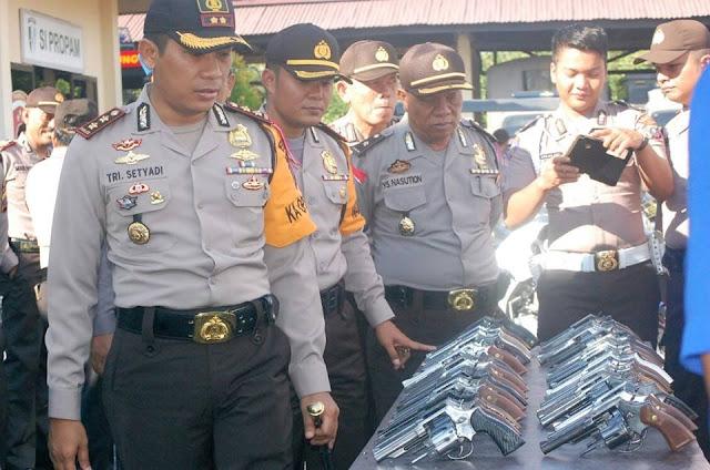 Kapolres Tanjungbalai Melaksanakan Pengecekan Kendaraan Dinas dan Senpi