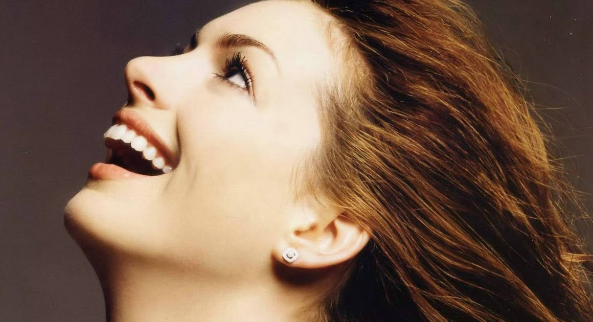 521 Entertainment World: Unseen Anne Hathaway Hot Wallpapers