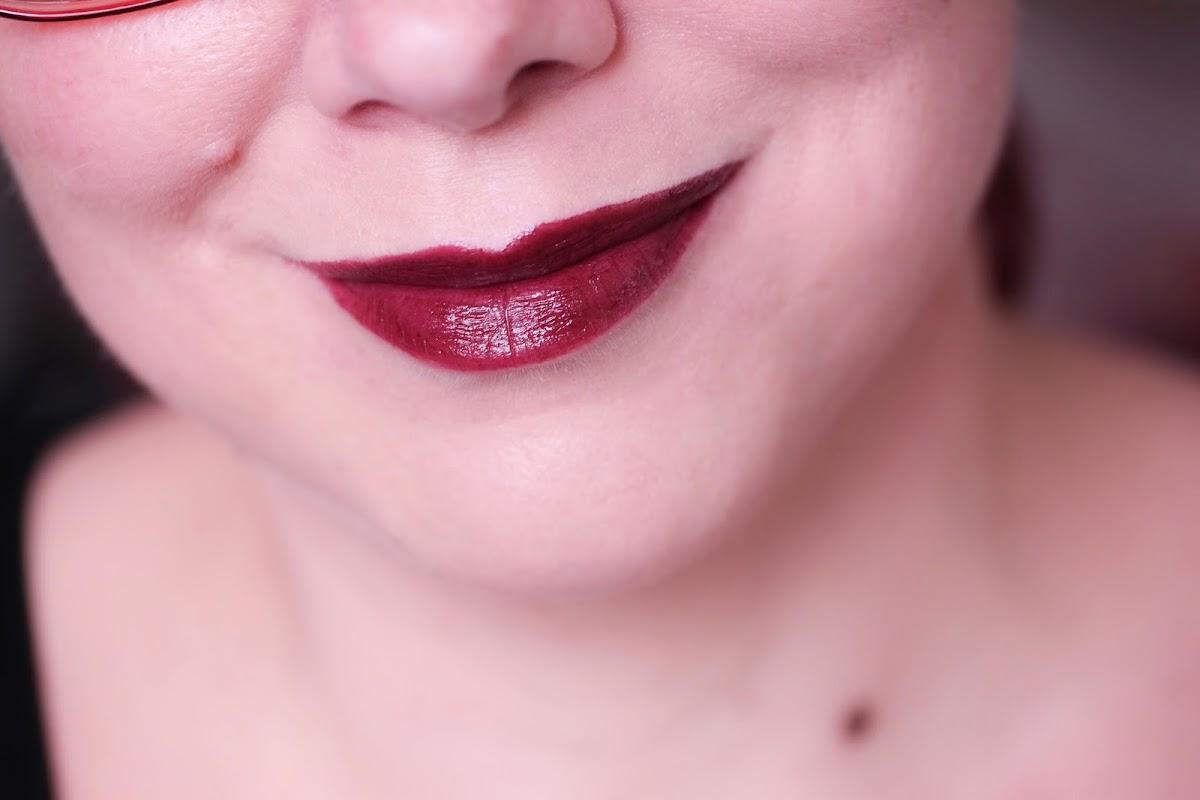 burgunder Lippenstift
