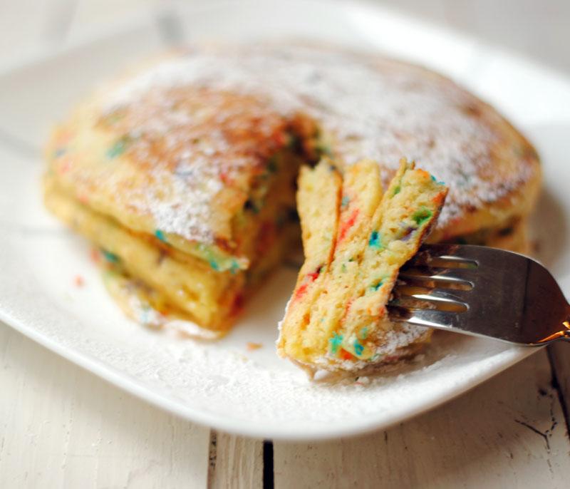 Leanne Bakes Birthday Cake Pancakes