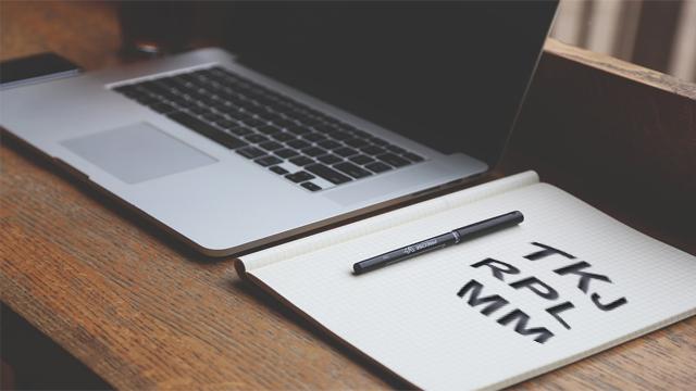 Pilih Jurusan TKJ, Multimedia, atau RPL? Baca Selengkapnya!