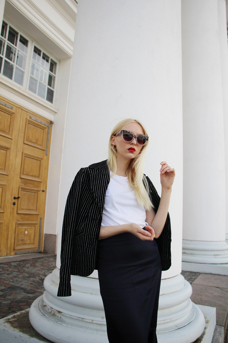 Iris Anna Sofia Monki Sunglasses, H&M Blazer and T-shirt, Mango Skirt, Zara heels