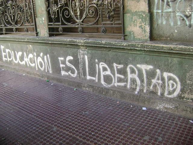 Enseñanza UGT Ceuta, La escuela de las miles de cosas, Blog Enseñanza UGT Ceuta, burocracia en la escuela, libertad en la escuela