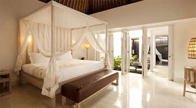 diseño de interiores bonita recamara en Resort de lujo en Bali Indonesia.
