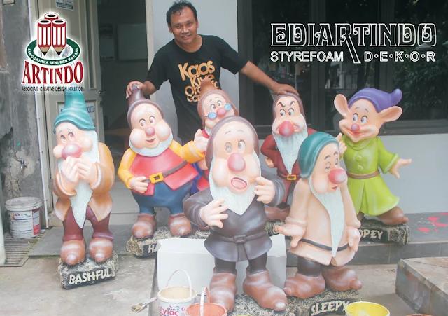 "Patung 4D Bentuk Caracter "" Snow White & The Seven Dwarfs"